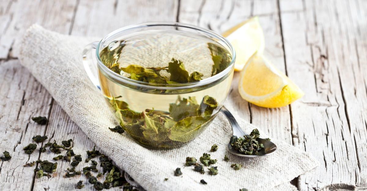 De ce trebuie sa tii macar o cura cu ceai verde pe an