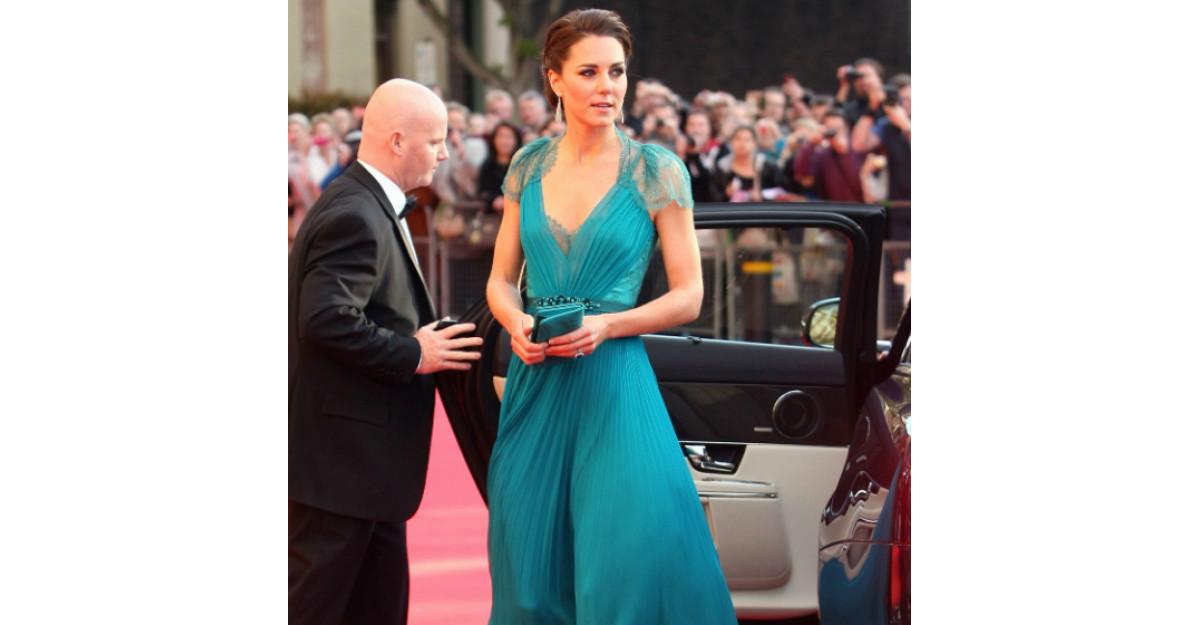 Video: Kate Middleton, cu burtica la vedere intr-o rochita cu imprimeu floral