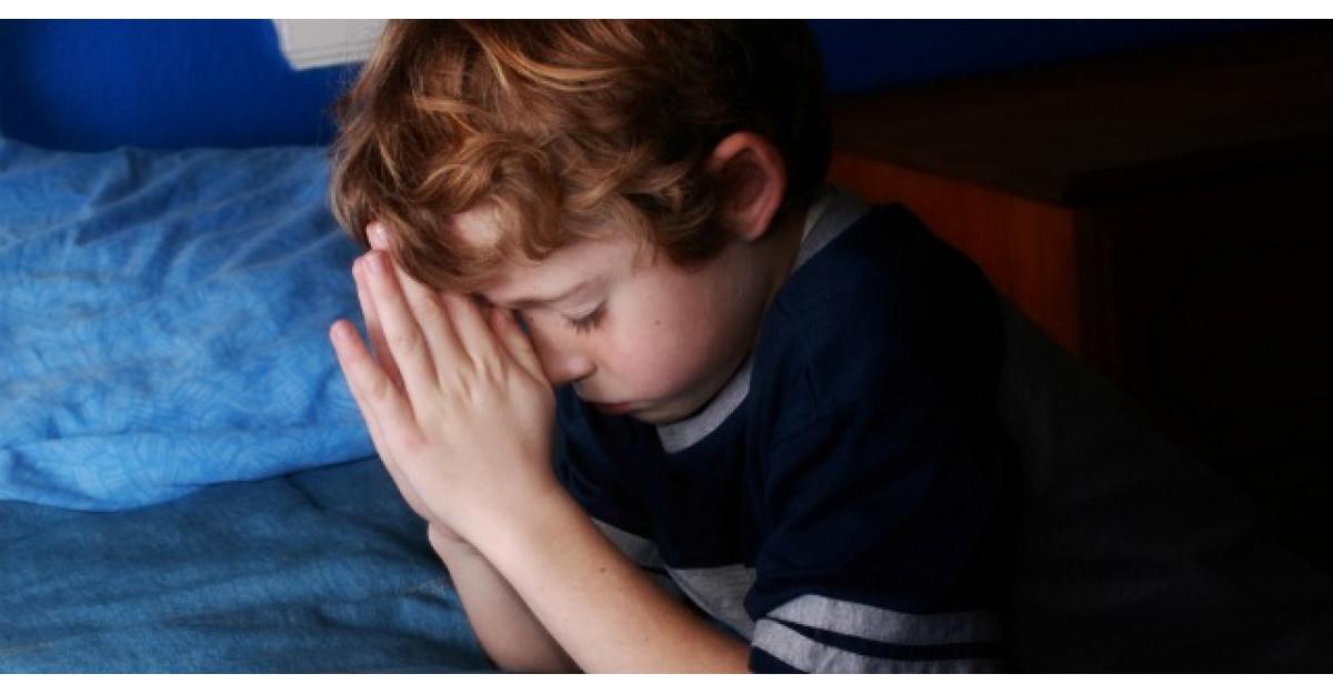 Un baietel de 8 anisori explica intr-un mod adorabil cine este Dumnezeu