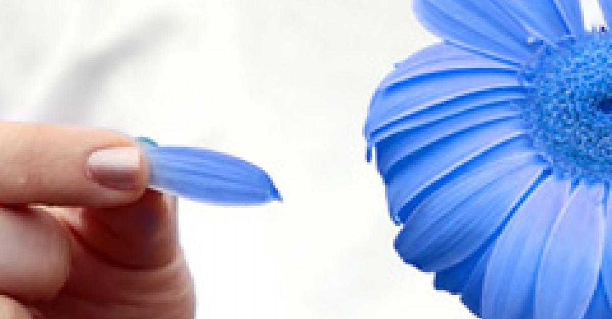 Albastru, culoarea vedeta a sezonului