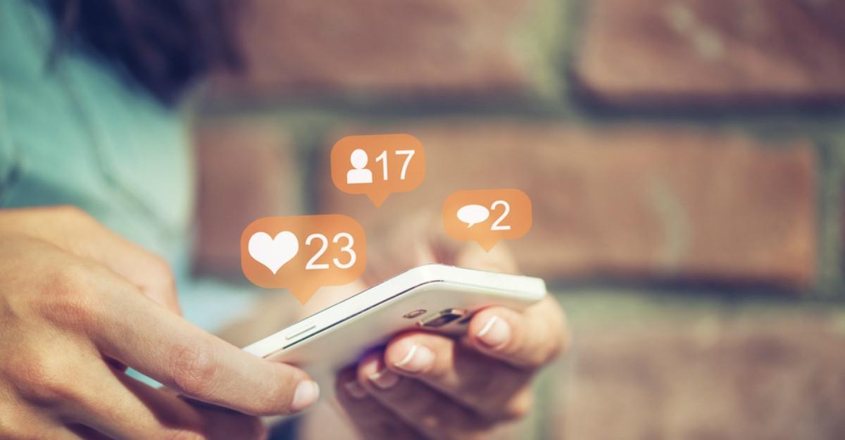 Consumul excesiv de social media poate cauza depresie