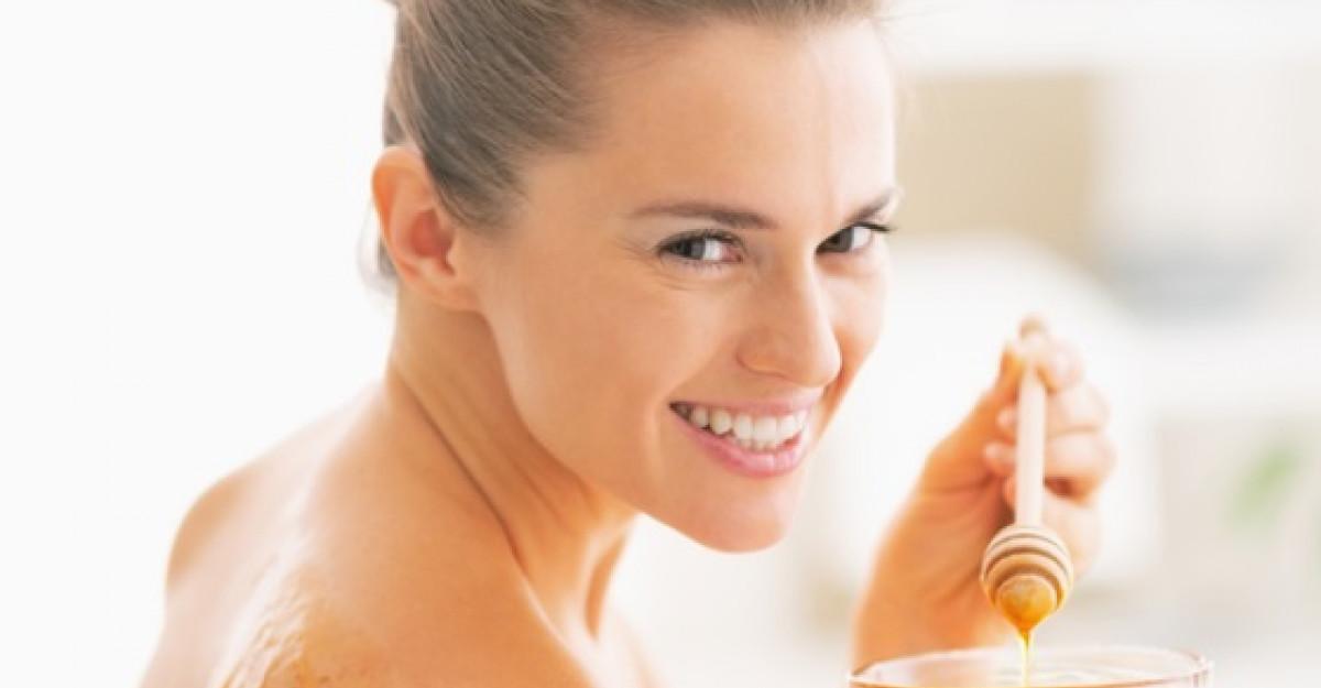 5 Motive pentru care mierea este o minune pentru pielea ta