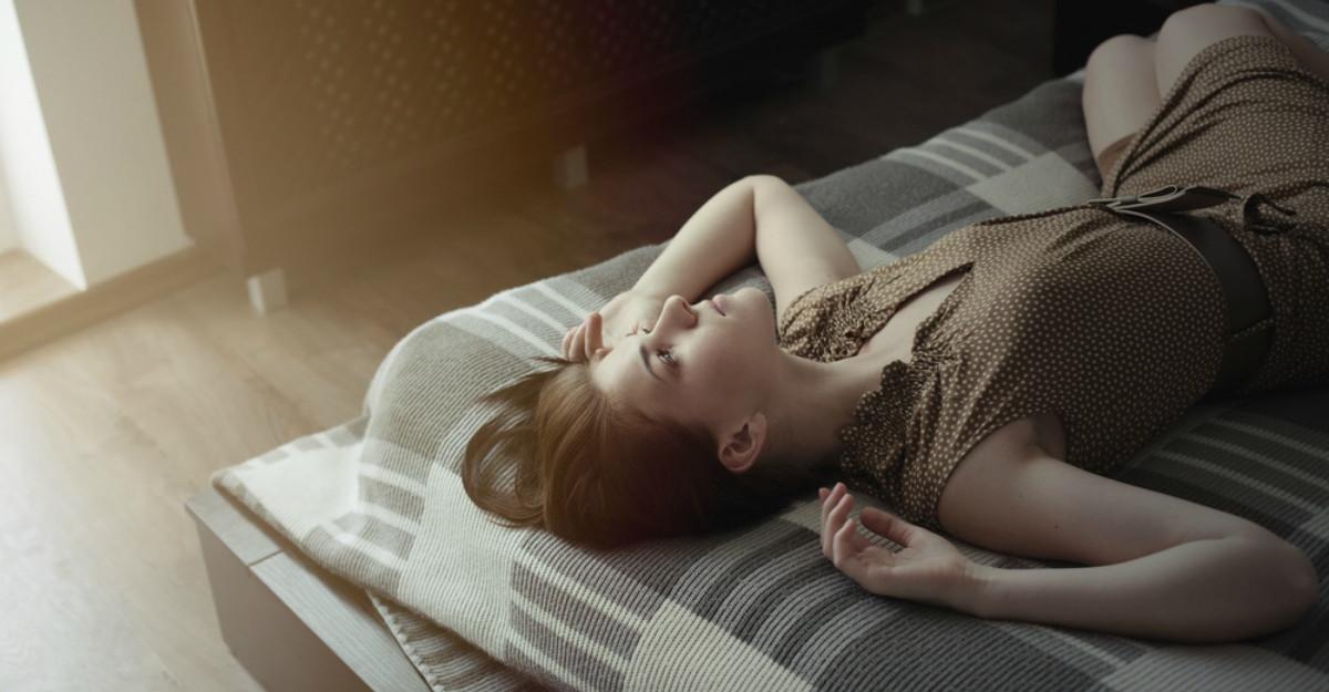 Te trezesti obosita si cu dureri? Descopera legatura dintre somn si inflamatia din corp