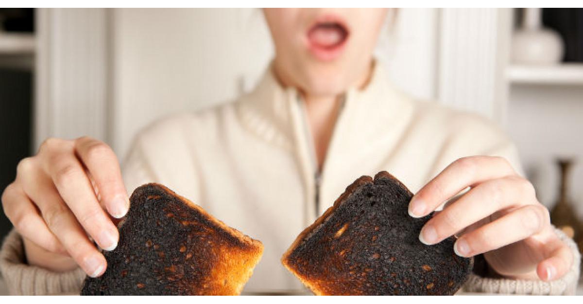 Mama lui a pus pe masa paine arsa. Ce a facut tatal cand a vazut asta? INCREDIBIL