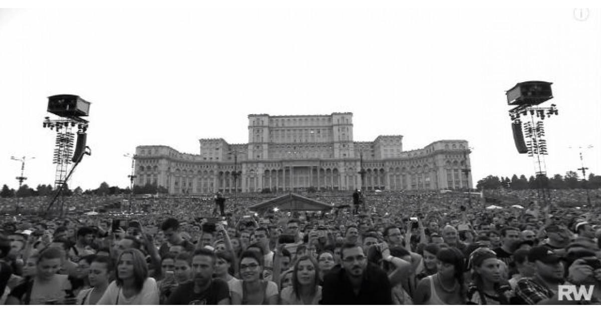 Robbie Williams a publicat pe internet imagini INCREDIBILE de la concertul sustinut in Bucuresti
