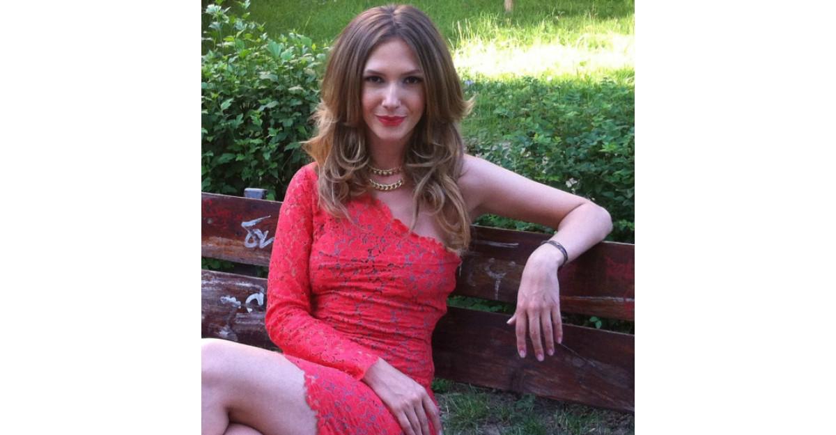 Adela Popescu se marita!