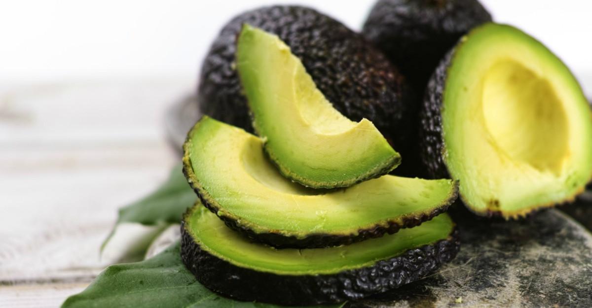 Dieta cu avocado: Scade nivelul colesterolului si tine kilogramele la distanta
