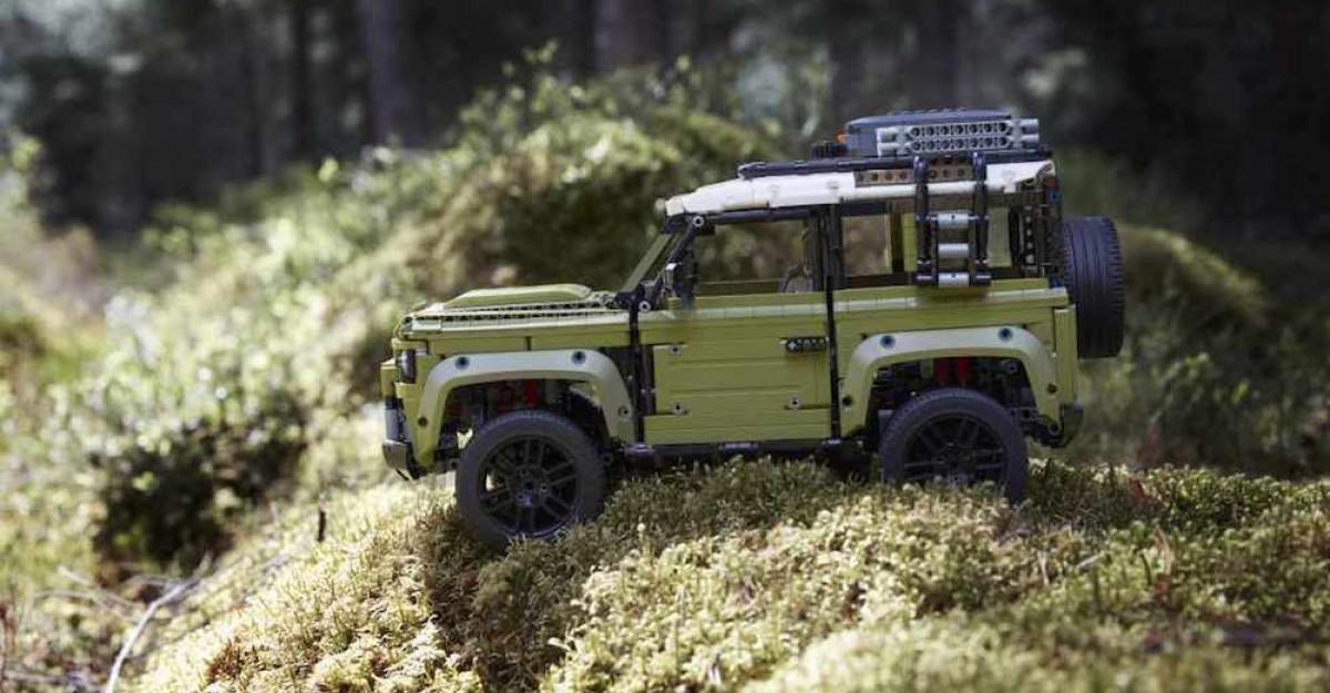 Land Rover anunta parteneriatele cu Musto si Lego