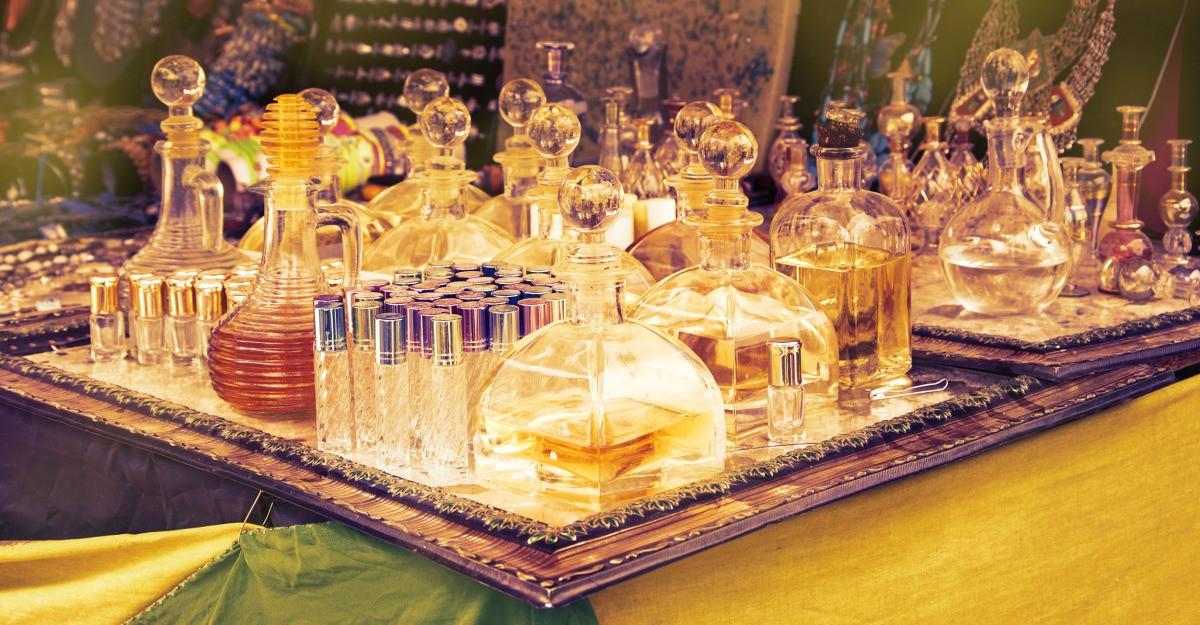 Parfumuri de firma in sticlute deosebite pentru colectionari pasionati