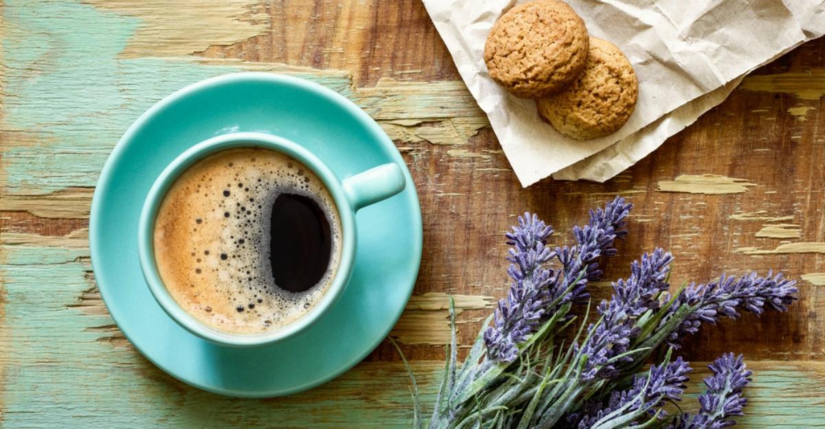 Bautura plina de nutrienti care te ajuta sa consumi mai putina cafea: Se prepara rapid si e delicioasa!