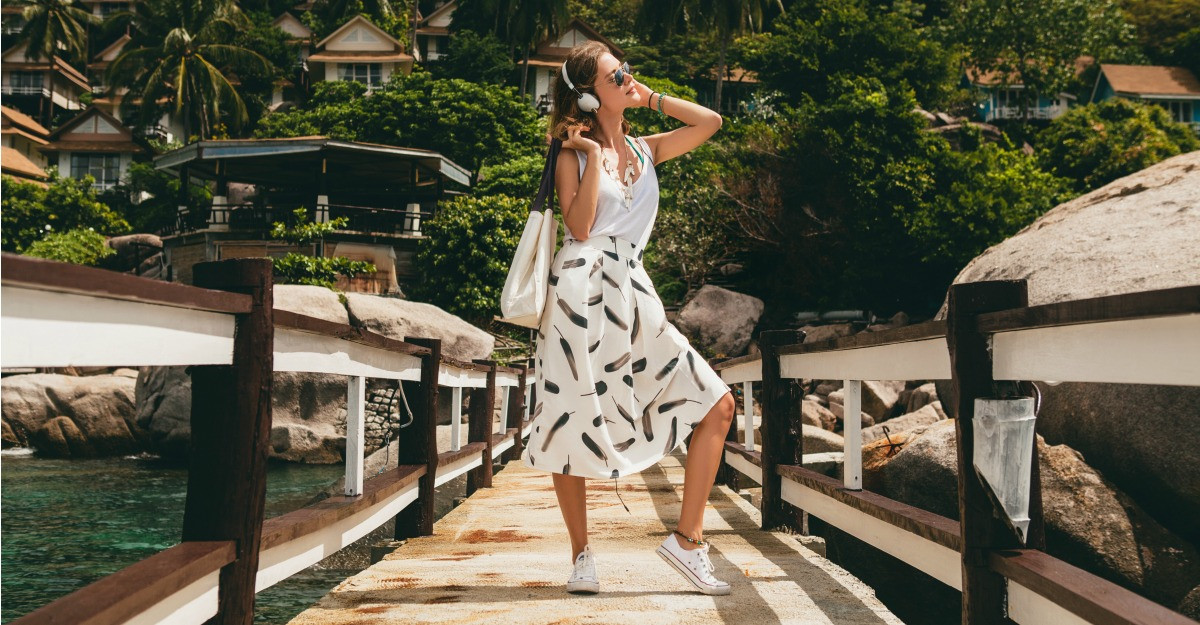 Top 6 piese vestimentare racoroase pentru canicula