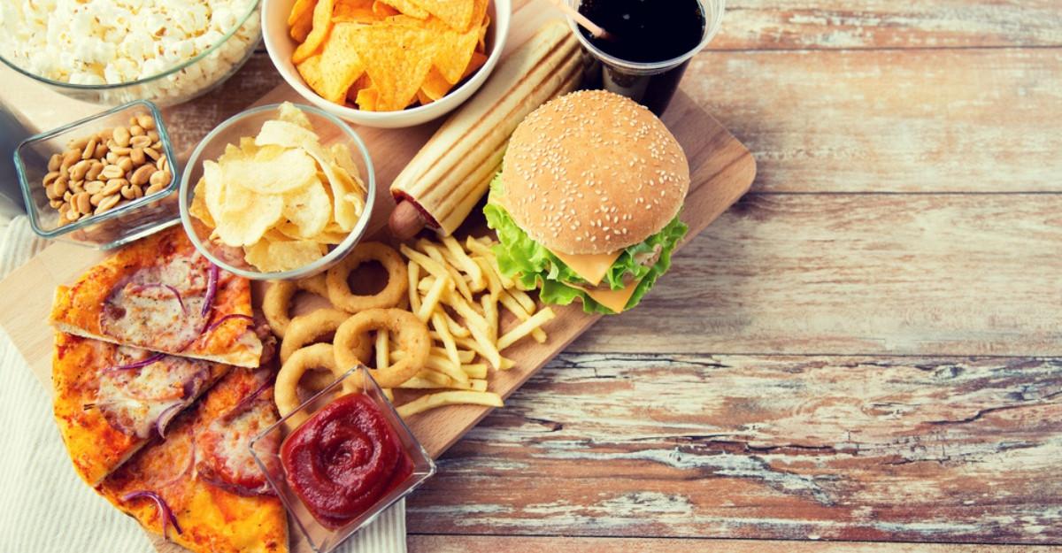 Specialistii avertizeaza asupra alimentelor pe care n-ar trebui sa le consumam niciodata