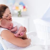 Regurgitarea/refluxul la sugari: ce este normal și ce nu