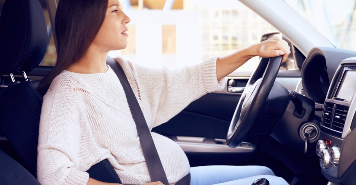 Însărcinată la volan: sfaturi pentru viitoarele mămici