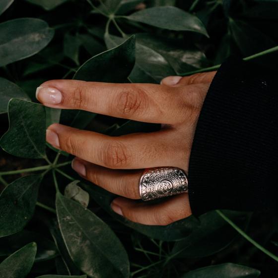 Forme de unghii la modă anul acesta: se poartă unghiile rotunde sau unghiile pătrate?