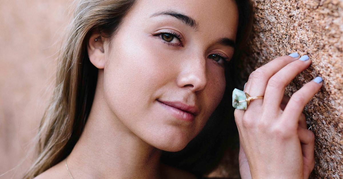 Inelele cu piatră naturală cât mai mare sunt la modă