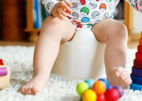 Riscurile antrenamentului timpuriu la olita pentru sanatatea copilului: ce spun medicii