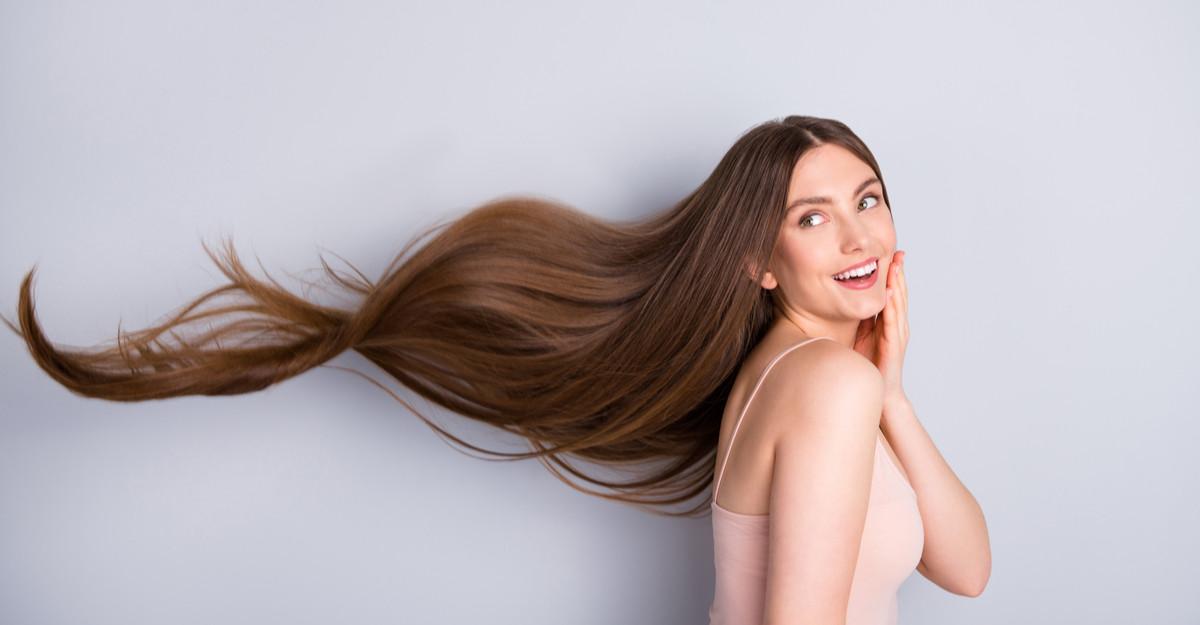 Un păr mai lung și mai strălucitor: 3 măști de păr cu keratină