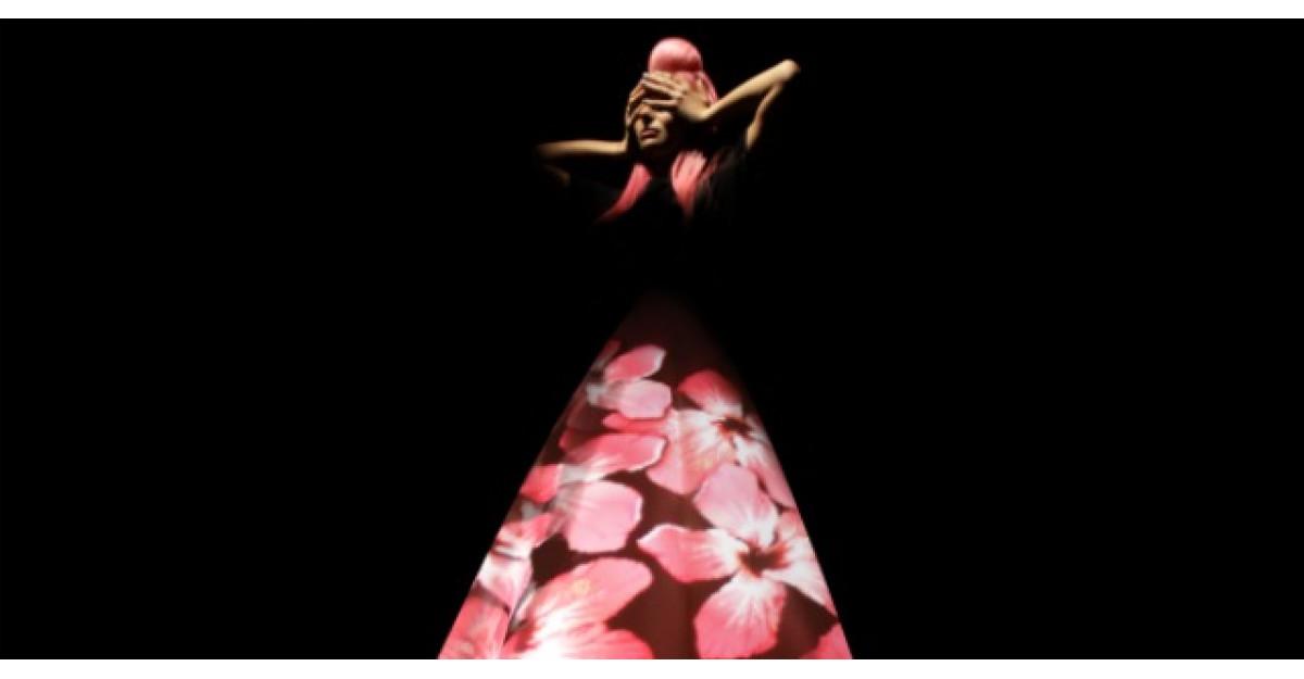 Delia lanseaza in sfarsit videoclipul Ce are ea