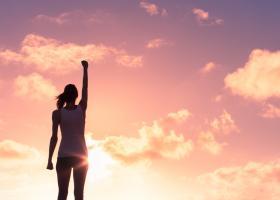 Zece lecții de la Esther Hicks pentru a manifesta viața pe care o dorești