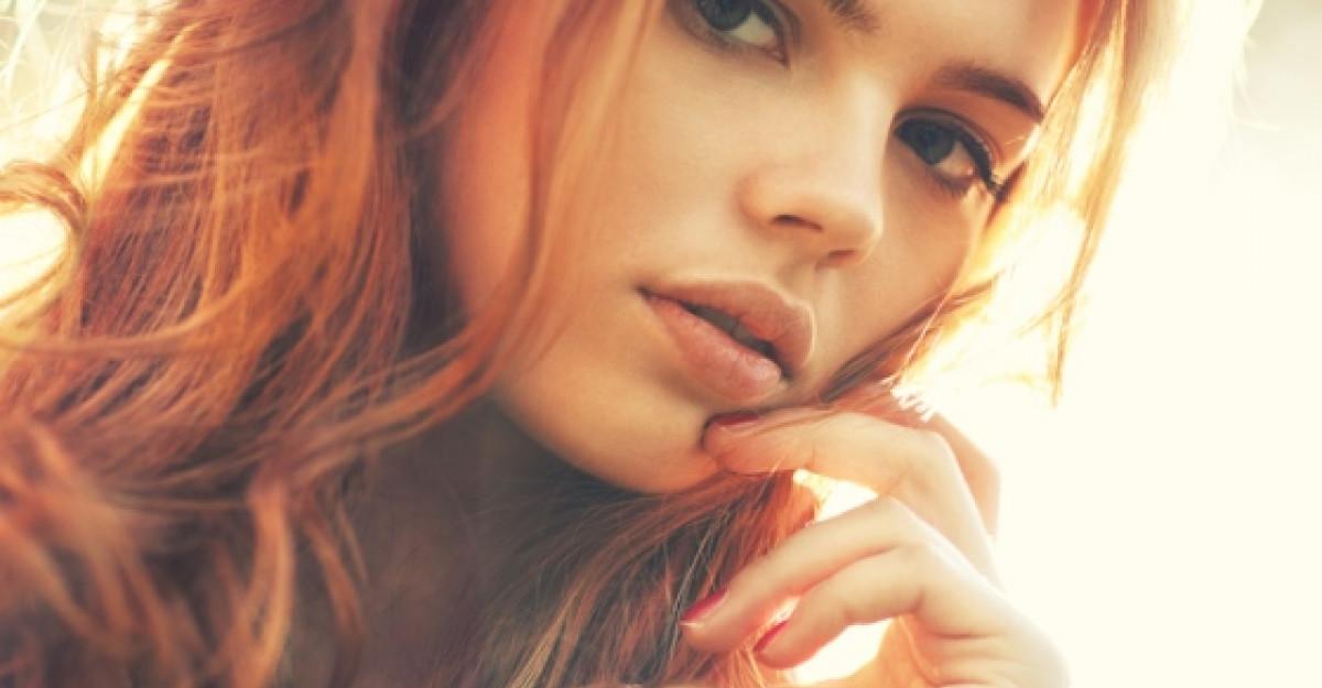 Elena Gheorghe si Katy Perry vin cu Stirile zilei