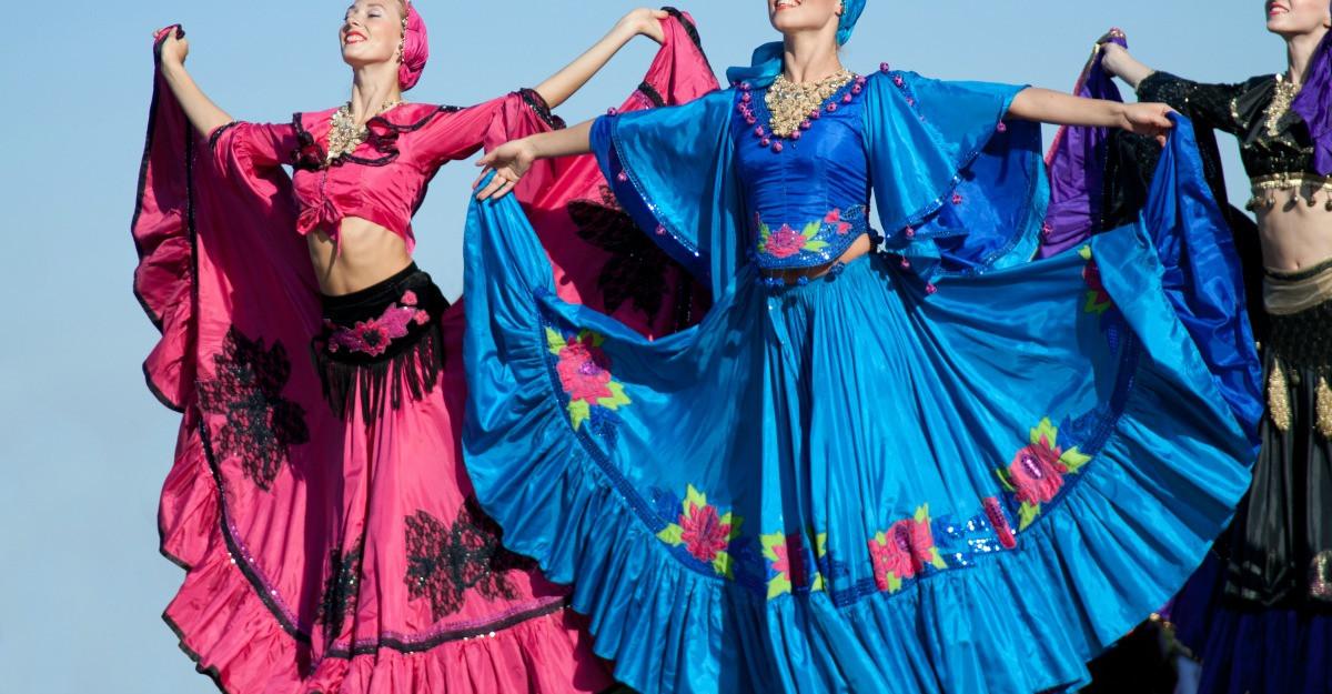 Rochii in stil gipsy: optează pentru imprimeuri colorate în stil nomad