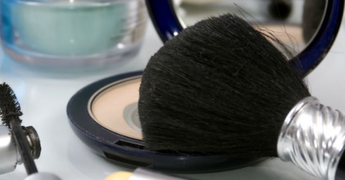 Top 4 produse de make-up indispensabile