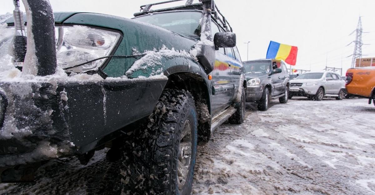 Ajutoarele oficiale ale lui Moș Crăciun au venit cu mașini 4x4 off-road