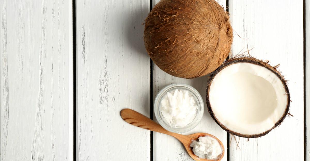 Uleiul de cocos, beneficii incredibile pentru dinti