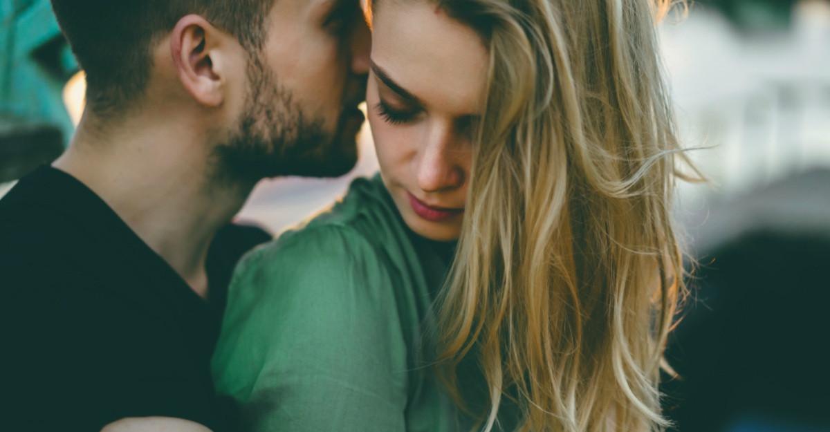 10 semne ca nu esti atat de fericita in relatie precum vrei sa pari