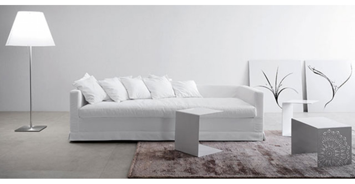 Interioare albe: 16 piese de mobilier si accesorii albe
