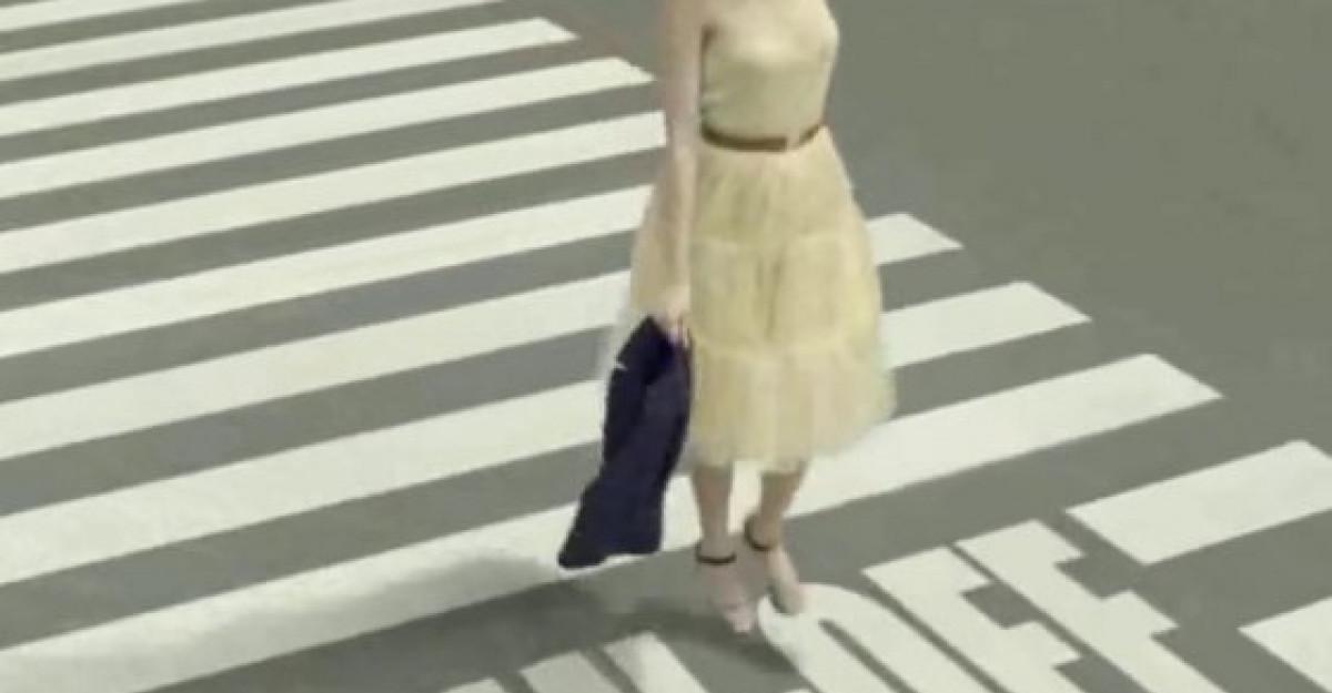 Video: Cea mai tare reclama pentru femeile care lucreaza!