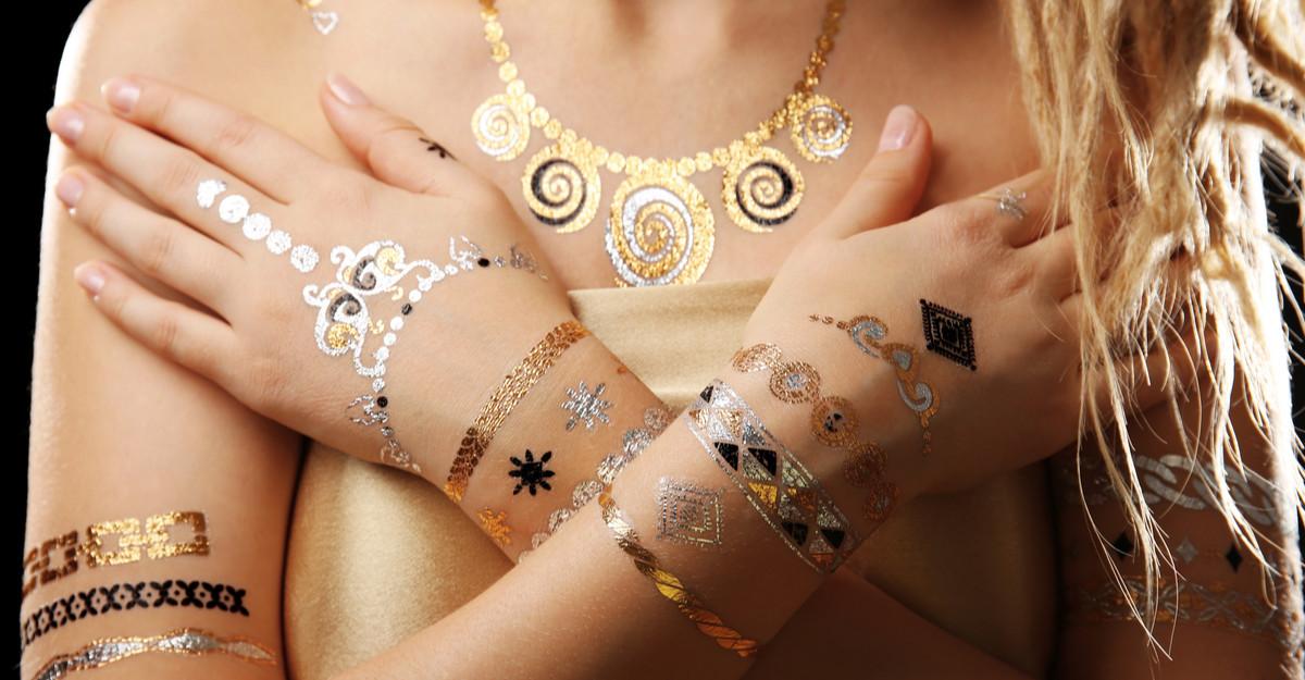 Creează un look incredibil cu ajutorul acestor tatuaje temporare