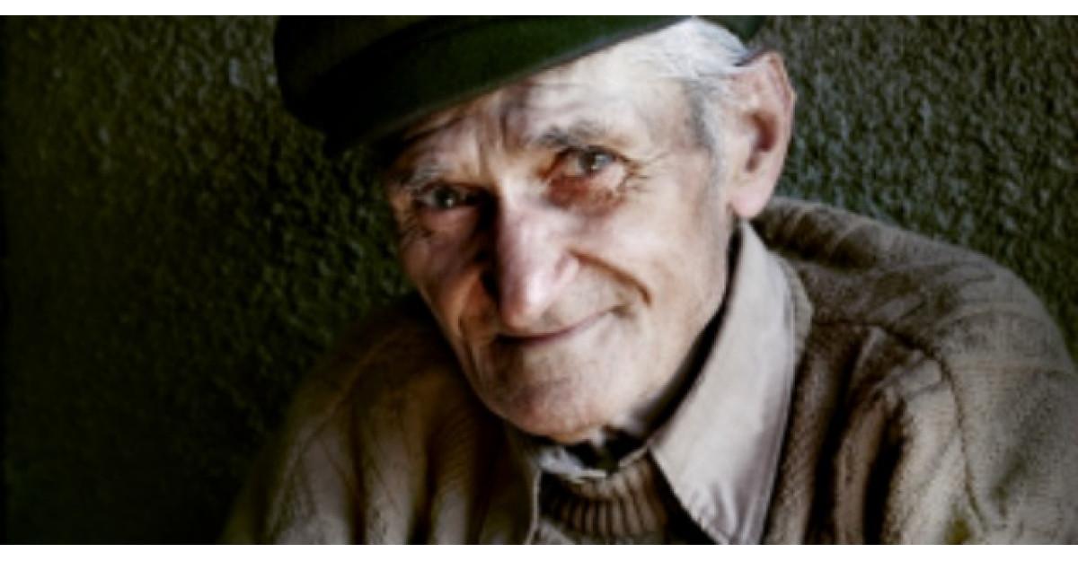 Reactia acestui batranel de 92 de ani dupa moartea sotiei? Iti vor da lacrimile