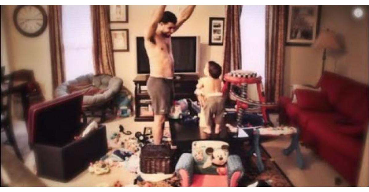 Video: Mama este la munca, asa ca tatal pune o camera video in camera. Ce surprinde? WOW
