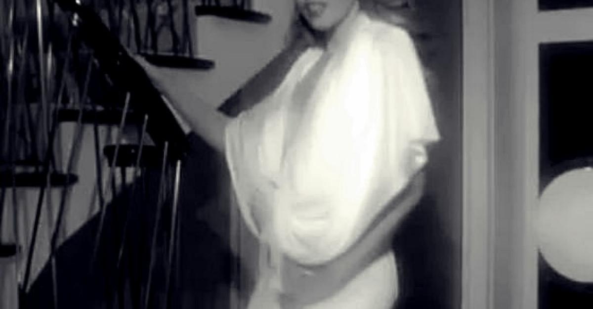 Kylie Minogue ne trateaza cu fundul