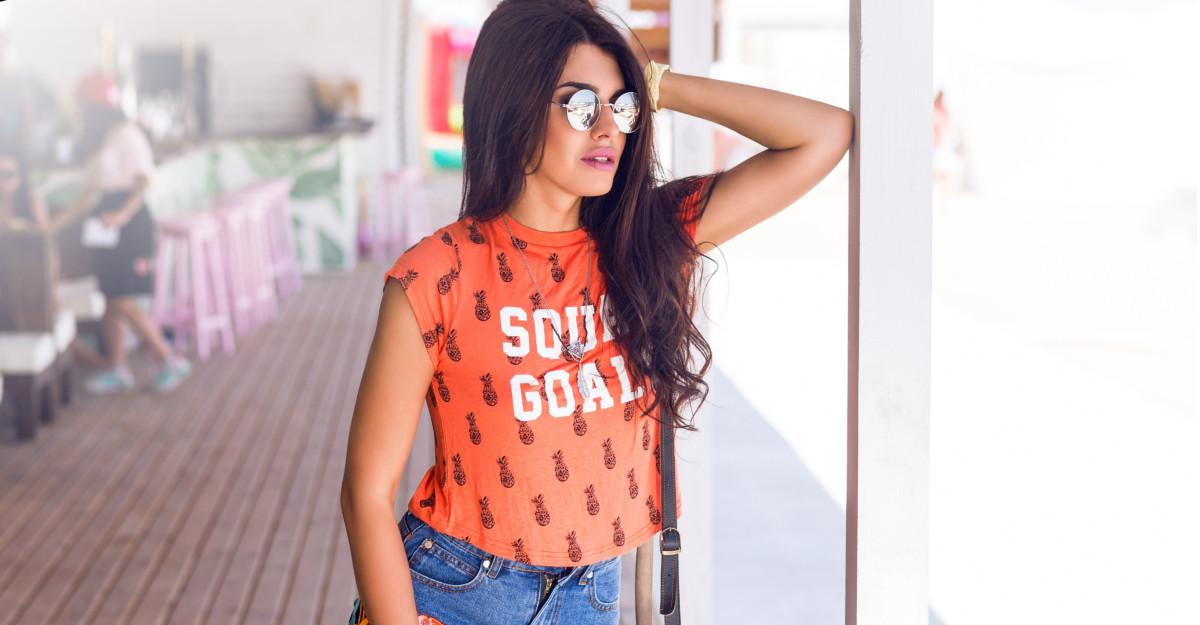 4 modele de tricouri cu imprimeuri super cool