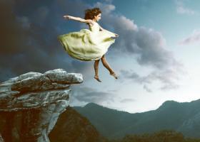 Astrologie: 3 zodii ghinioniste pe care necazurile le urmaresc necontenit