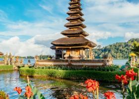 Cele mai frumoase locuri din lume pe care le poti vedea cu bani putini