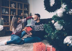Patru surprize plăcute pe care să i le faci partenerului de Sărbători