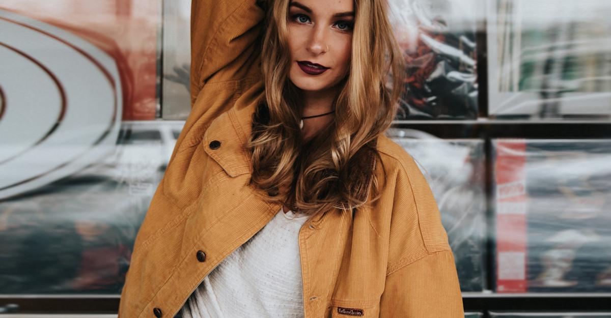 Jacheta bufantă de inspirație military este preferata mea!
