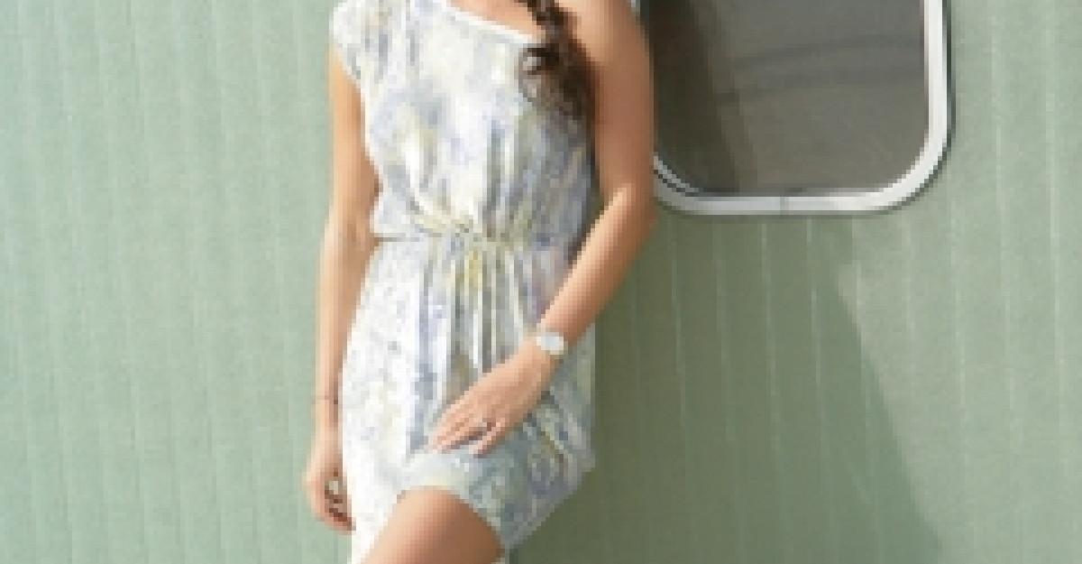 Vezi aici cea mai frumoasa rochie din 2011