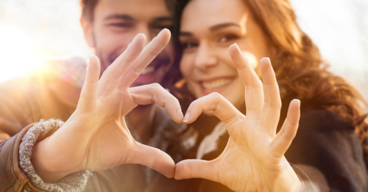 Tehnica simpla prin care atragi fericirea in cuplu
