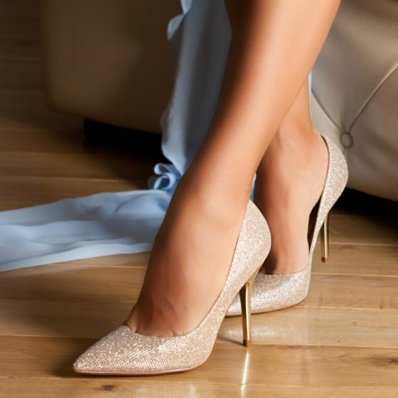 6 cei mai draguti pantofi in care sa petreci de Revelion