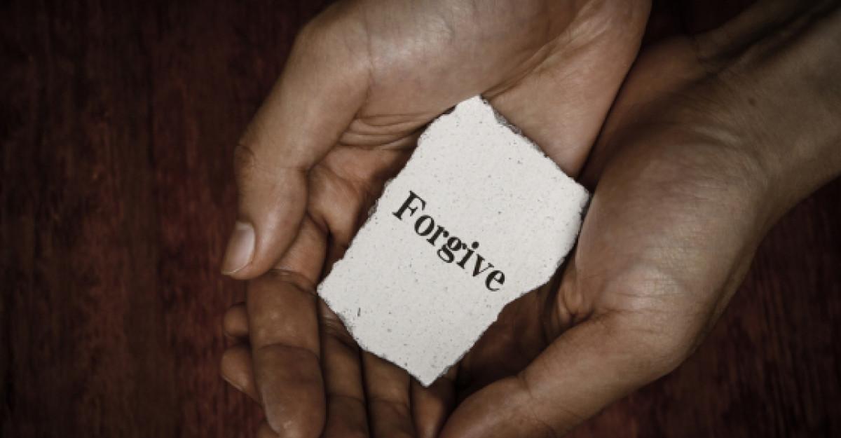 Traieste, reflecteaza, iarta, iubeste, razi! 5 feluri in care poti castiga in intelepciune in fiecare zi