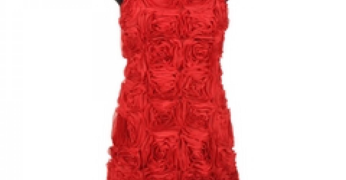 La Femme en rouge, un look chic si trendy pentru Sarbatorile de Iarna