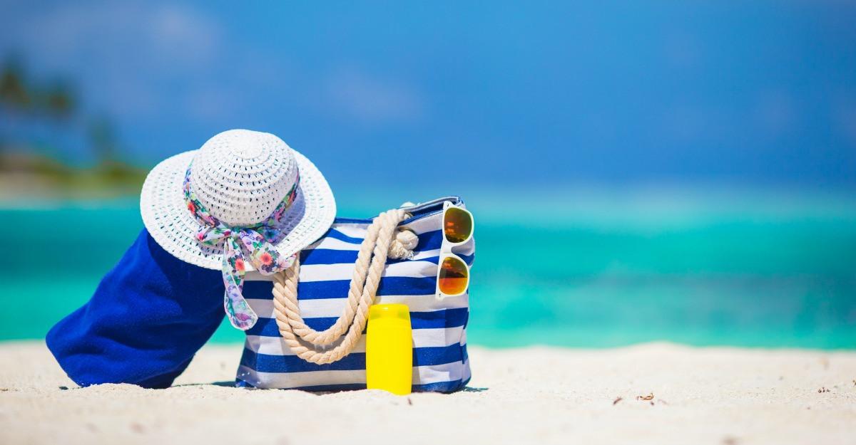Baga soarele si marea in geanta ta de plaja!
