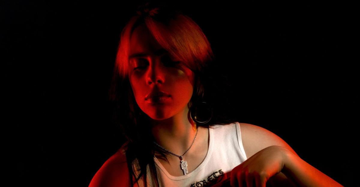Billie Eilish lanseaza single-ul Therefore I Am