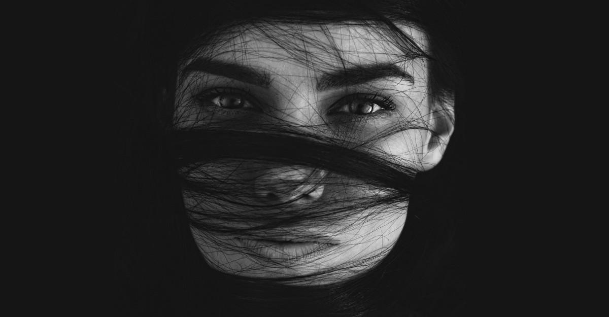 7 Semne că ești o femeie care îi intimidează pe bărbați