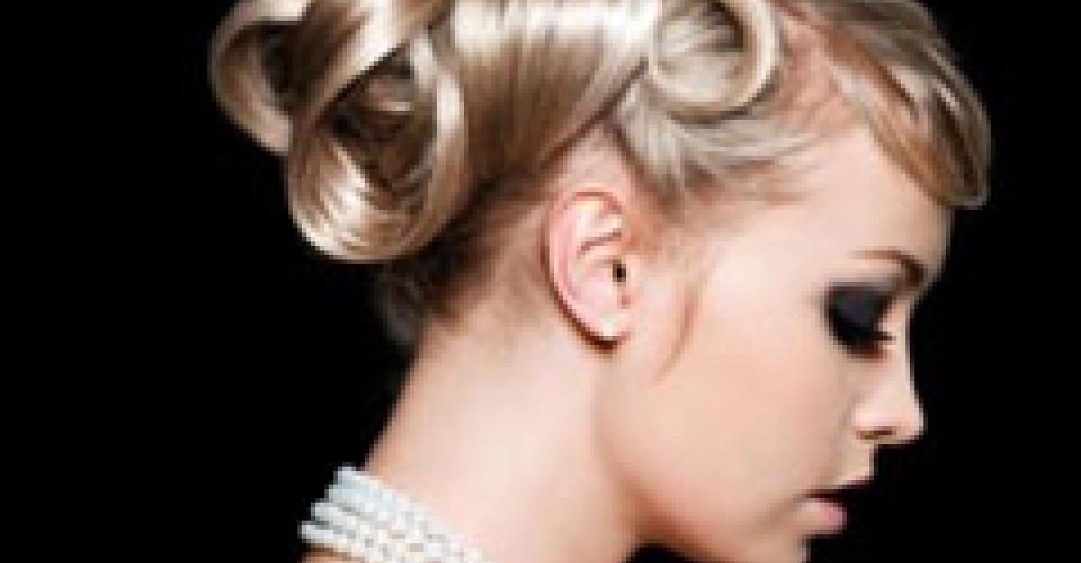 10 Coafuri speciale pentru mirese elegante